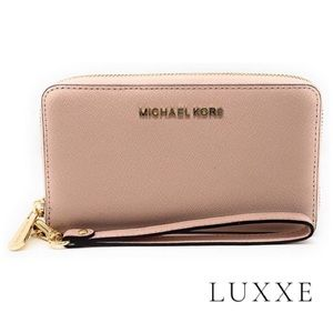 Michael Kors Zipper Wallet in Ballet